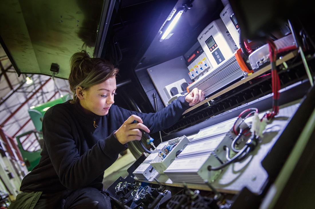 truck photographer, studio truck photography, professional truck photography, commercial photography, tim wallace